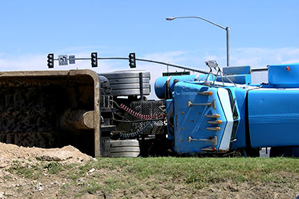 Truck accidents can cause severe injuries, particularly when a semi jackknifes or overturns, like this one. Call a Shreveport Truck accident lawyer today to discuss your options.