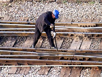 Louisiana railroad workers face dangerous conditions on a daily basis. When they are injured, a federal statute called FELA is there to provide compensation. Shreveport FELA attorneys are experienced in handling railroad injury claims and can expertly guide you through the process to get you the money you deserve.